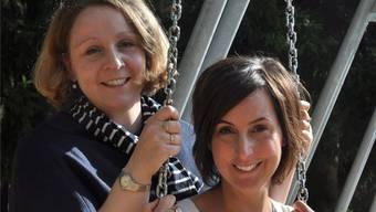 Der Mensch muss spielen: Karin Berry (rechts) und Bettina Uhlmann lieben Theater. Bettina Hamilton-Irvine