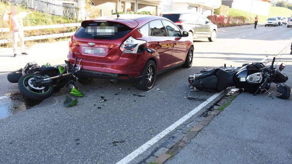 Wegen Katze: 23-Jährige baut Unfall