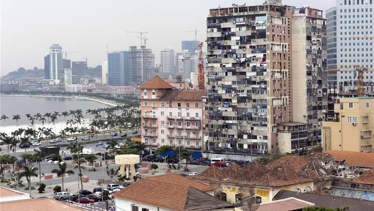 Luanda, die Hauptstadt von Angola: Neben Slums schiessen Türme aus Beton und Glas aus dem Boden.