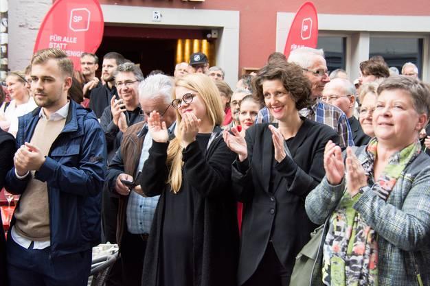 Die Sozialdemokraten applaudierten der neu gewählten Nationalrätin.