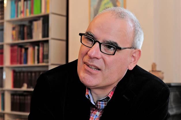 Kirchenratspräsident Lukas Kunder geht auf Fragen nicht ein. (Archivbild / zvg)