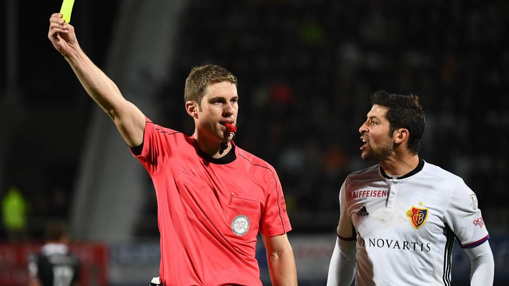 Drücken die Schiedsrichter beim FC Basel öfters ein Auge zu?