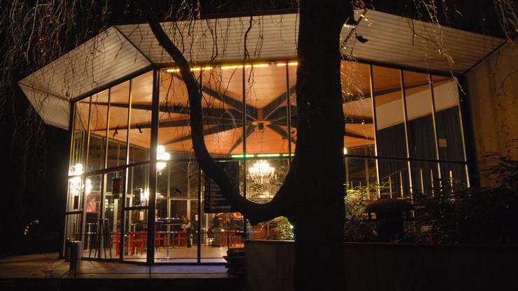 Das Kurtheater bei Nacht: Von April bis Juni 2018 sind die archäologischen Grabungen rund herum geplant.