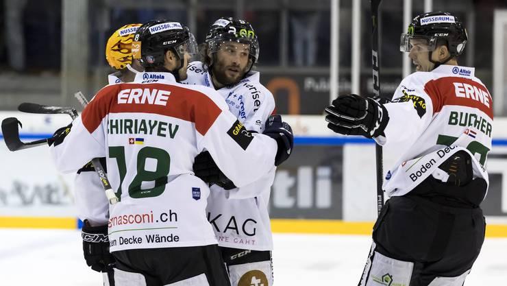 Der EHC Olten reitet auch weiterhin auf der Erfolgswelle und holt sich im Spiel gegen den HC Chaux-de-Fonds mit 6:3 den Sieg.