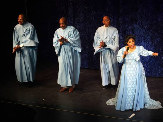 Das Leben der Gospel-Queen Mahalia Jackson wurde im Kurtheater eindrücklich in Szene gesetzt