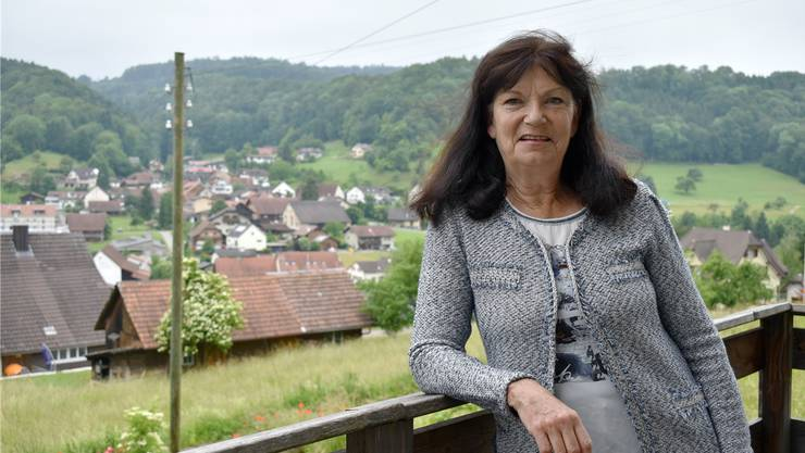 Auf ihrem Balkon hat sie «ihr» Hellikon noch immer im Blick. Als Gemeindeammann aber tritt Kathrin Hasler zurück.