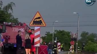 Der Unfall ereignete sich an einem Bahnübergang ohne Schranken.