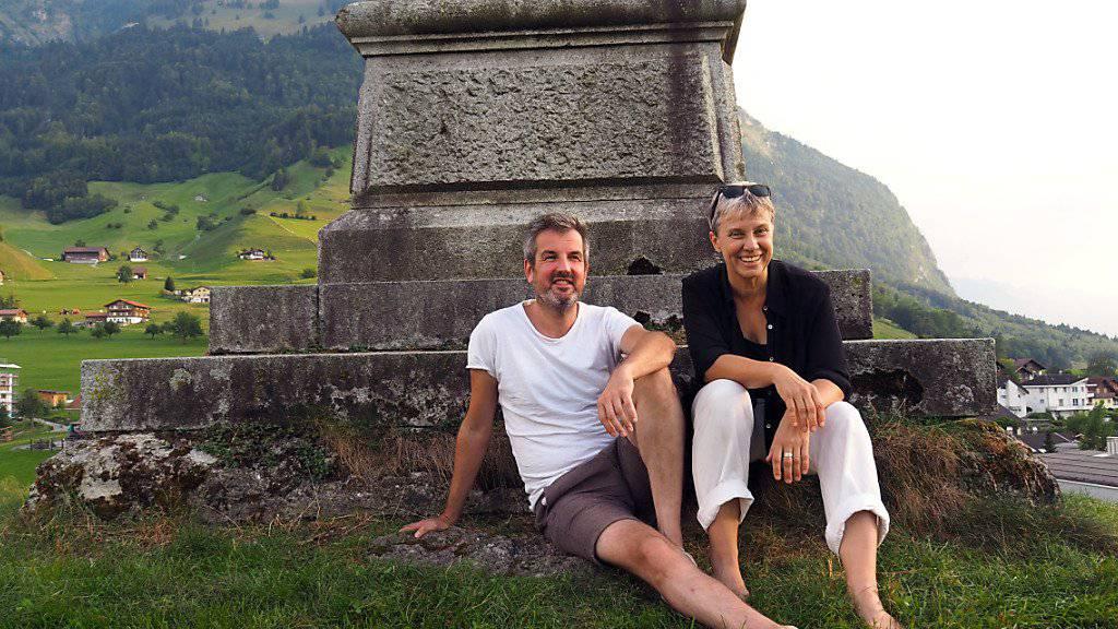 Inszeniert wird Christoph Fellmanns Adaption des Schweizer Klassikers «Die schwarze Spinne» von der Regisseurin Ursula Hildebrand.