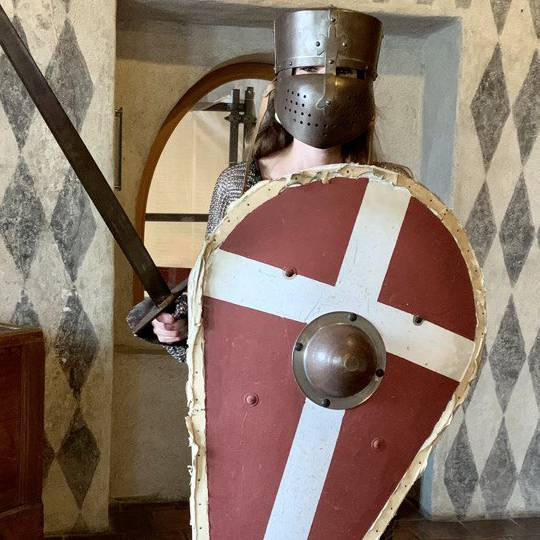 Eine Ritterrüstung für den Laufsteg