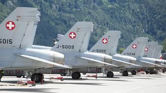 Zu viele Abstürze: Die Schweizer Luftwaffe muss ihr Traniningsprogramm streichen. Der Sprecher der Luftwaffe hält dies für unproblematisch.