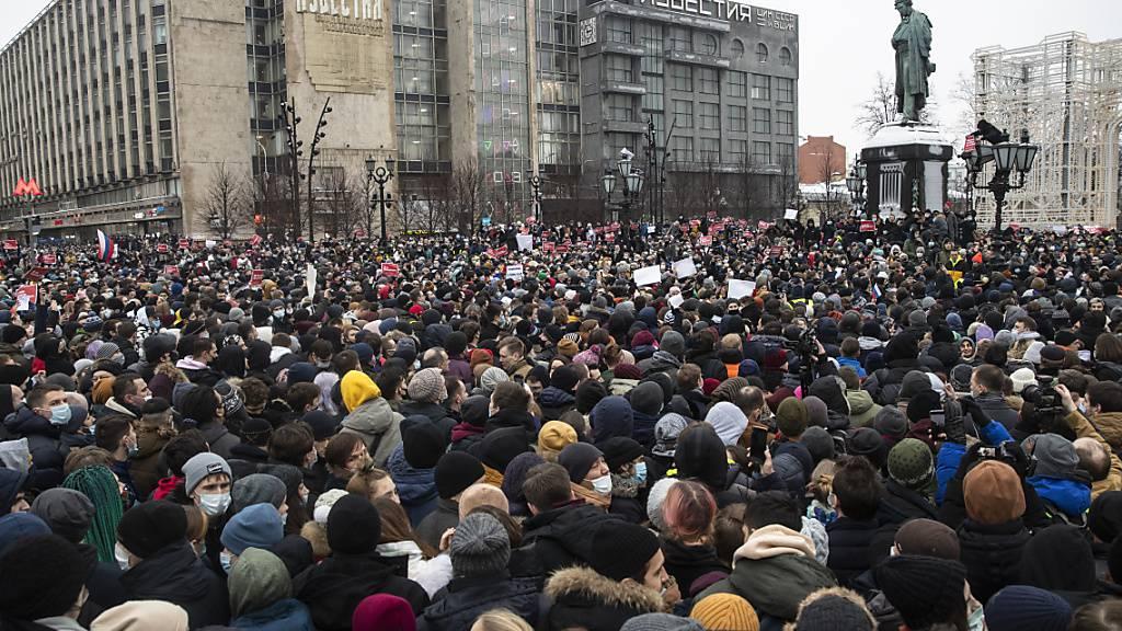 Kreml spricht von «wenigen Menschen» bei Nawalny-Protesten