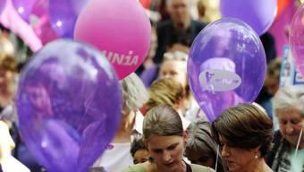 Demonstration für Gleichstellung am Frauenstreiktag 2011 (Archiv)
