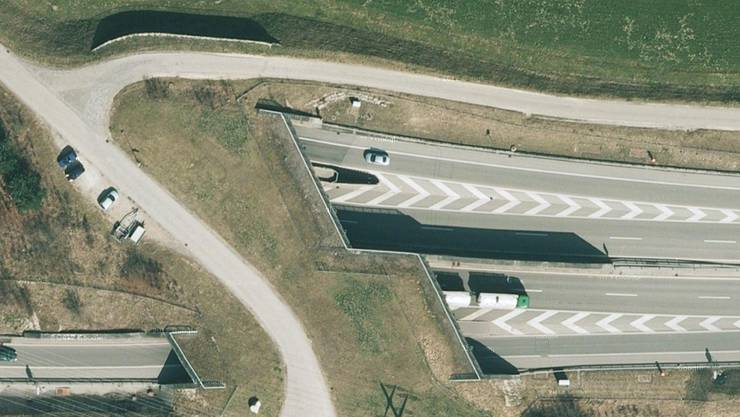 Unter anderem wird die alljährliche Revision und Reinigung auch beim Spitalhof Tunnel unterzogen.