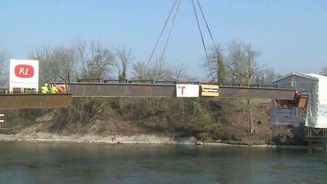 Gnadenthal: Millimeter-Arbeit Brückenbau