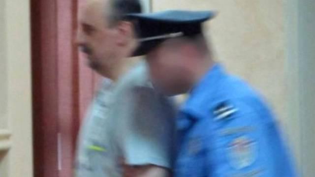 Das einzige Bild Hadzics nach seiner Verhaftung
