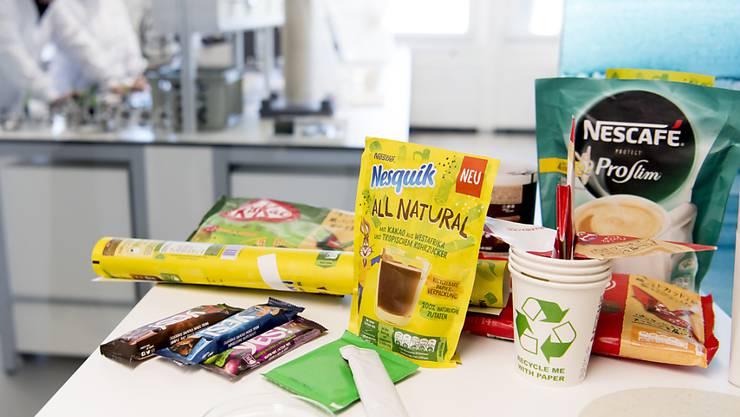 Nestlé will Verpackungen aus Neuplastik zunehmend durch solche aus rezykliertem Kunststoffen ersetzen. (Archiv)