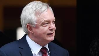 Eine Einigung der britischen Regierung mit der EU über den EU-Austritt soll dem Parlament in London zur Abstimmung vorgelegt werden. Das kündigte Brexit-Minister David Davis an. (Archivbild)
