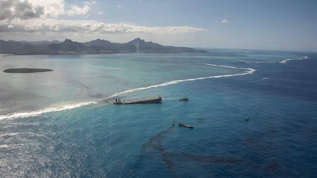 Ölkatastrophe auf Mauritius: Behörden pumpen Treibstoff ab