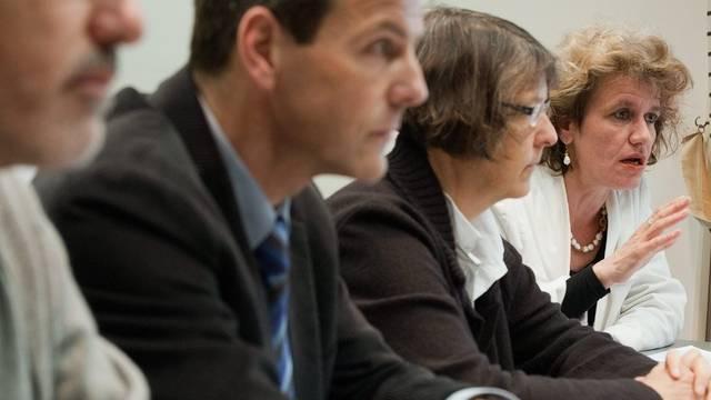 Die grüne Nationalrätin Katharina Prelicz-Huber (rechts) warnt vor dem steigenden Kostendruck auf die Spitäler