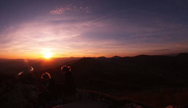 """Sonnenuntergang auf der Gisliflue. """"Freundinnen im abendlichen Gegenlicht"""""""
