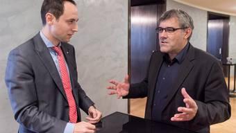 Christian Wasserfallen (FDP/BE), links, und Eric Nussbaumer (SP/BL) im Gespräch.