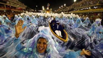 Mit einer blau-weissen Hommage an Brasiliens Flüsse und die Tier- und Artenvielfalt gewann die Sambaschule Portela erstmals seit 33 Jahren wieder den Wettstreit der besten Sambaschulen. (Archiv)