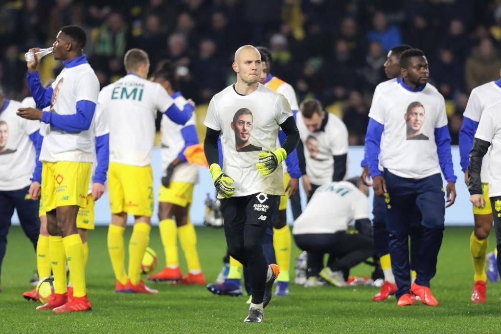 Der FC Nantes tritt mit dem Porträt von Sala auf. (© Keystone)