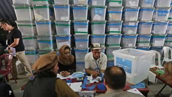 Die mehr als 8 Millionen Wahlzettel werden neu ausgezählt