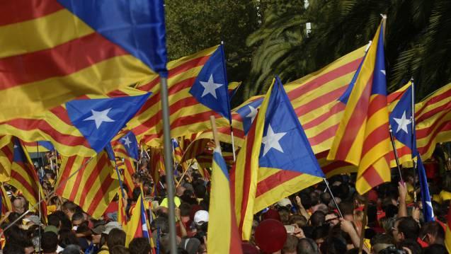Demonstration in Barcelona: Ob die Separatisten die Wahl wieder mit absoluter Mehrheit gewinnen, ist nicht klar.