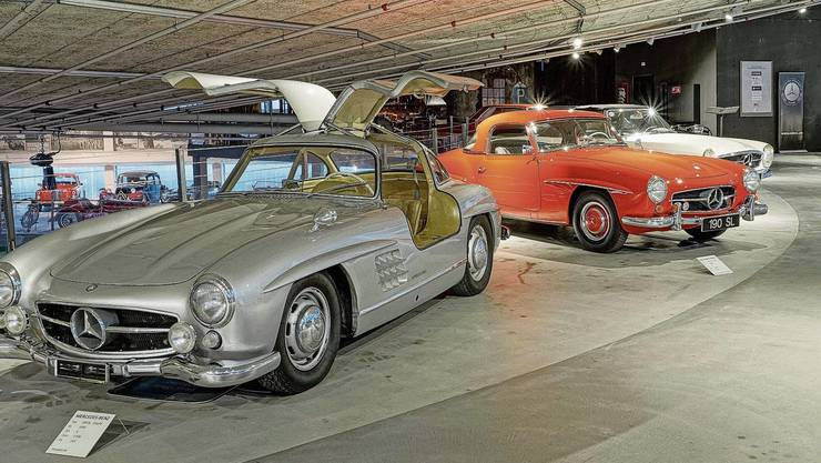 Modelle wie der silberne 300 SL und der orange 190 SL waren in den 1950er-Jahren die Lieblingsautos der Filmstars.