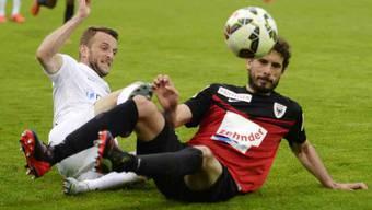 Kämpferisch: Juan Pablo Garat (rechts) spielt weiterhin für den FCA.