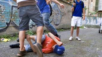 Die Jugendgewalt hat in den letzten Jahren stark zugenommen (Symbolbild).