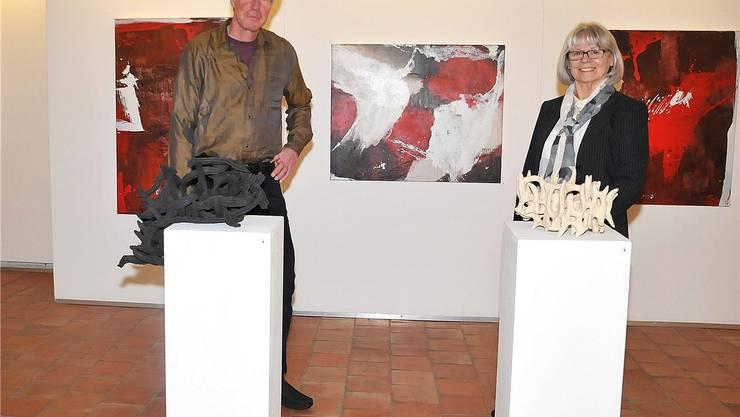 Yvonne Wyss-Rohrer und Martin Lichtmann in der alten Kirche Härkingen. MM