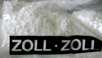 Ein 29-jähriger Brasilianer hatte 3 Kilo Kokain in seinem Gepäck versteckt. (Symbolbild)
