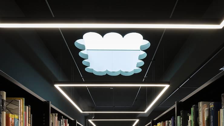 Das Thema Managerlöhne füllt Bibliotheken. Nun haben zwei Wissenschafter für ihre Forschungen den Nobelpreis erhalten. (Symbol)