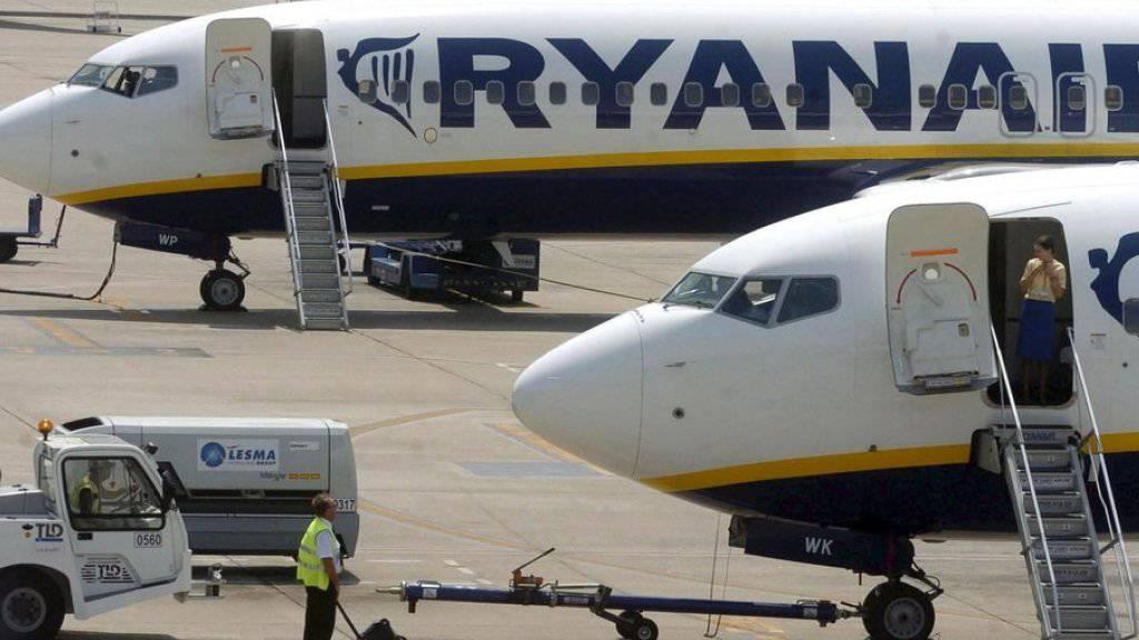 Flugzeuge der  der Billigflug-Airline Ryanair im spanischen Girona. (Archiv)