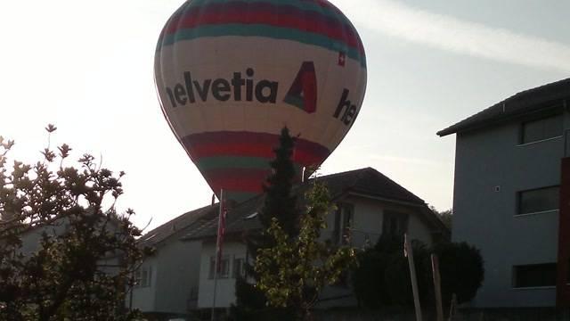 Ballon landet in Roggwiler Wohnquartier