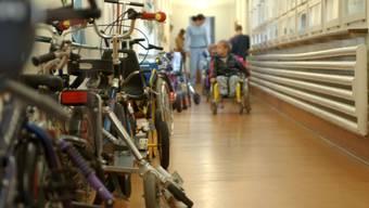 Im Rahmen der Integration im Regelkindergarten bedarf es dazu einer Schulhilfe. (Symbolbild)