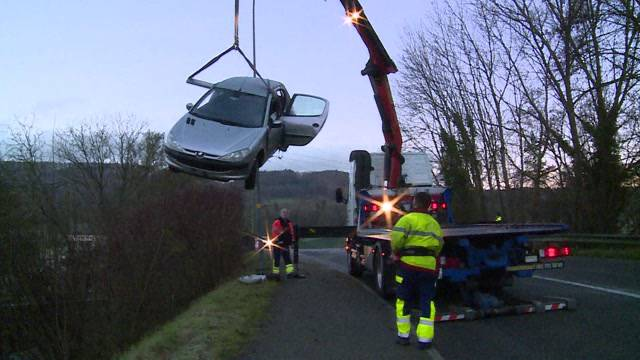 Autounfall in Oftringen wegen gefährlichen Strassenverhältnissen