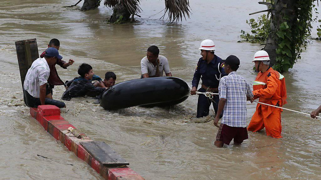 Hundert Dörfer in Myanmar überschwemmt