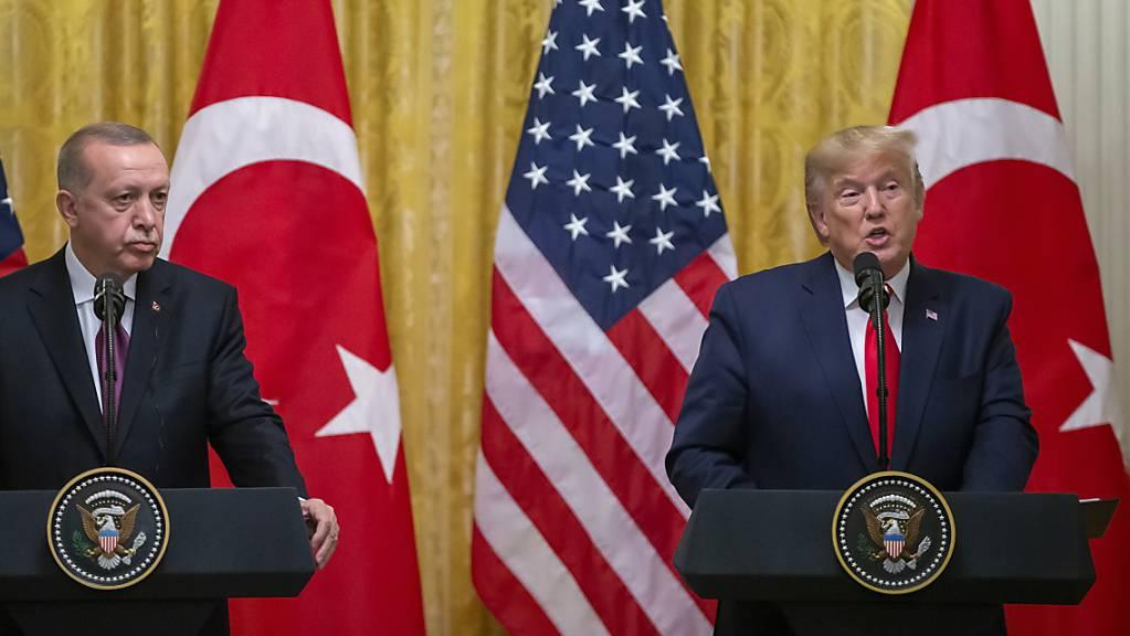 Bei einem Besuch des türkischen Präsidenten Erdogan im Weissen Haus sprach Trump im November mit Blick auf den Kauf des russischen Raketenabwehrsystems S-400 von einer «sehr ernsten Herausforderung», ohne aber Sanktionen anzukündigen.(Archivbild)