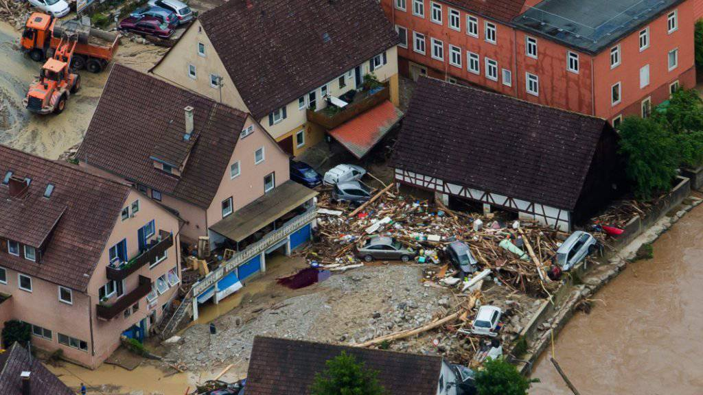 Im süddeutschen Braunbach beginnen die Aufräumarbeiten - in anderen Teilen des Landes gab es weitere Unwetter.