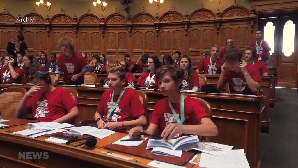 Das Jugendparlament trifft sich online mit Bundesrätin Sommaruga