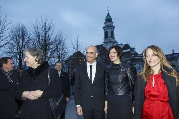 Bundesrat Alain Berset und seine Ehefrau Muriel Zeender Berset besuchen Solothurn, hier im Geleit von Christine Beerli und Seraina Rohrer