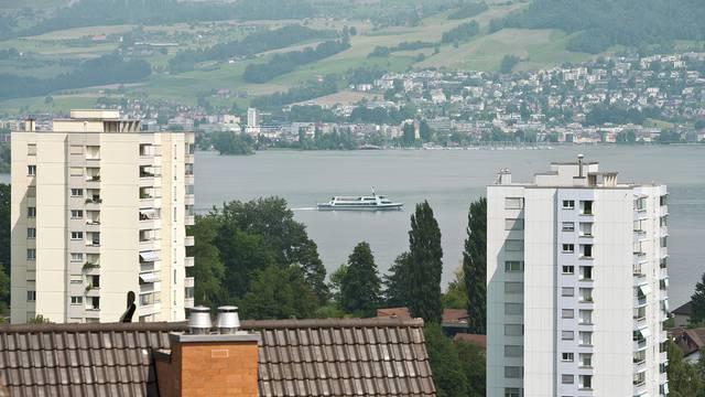 Hier sind die Steuern tief und die Wohnungspreise hoch: Hünenberg im Kanton Zug (Symbolbild)