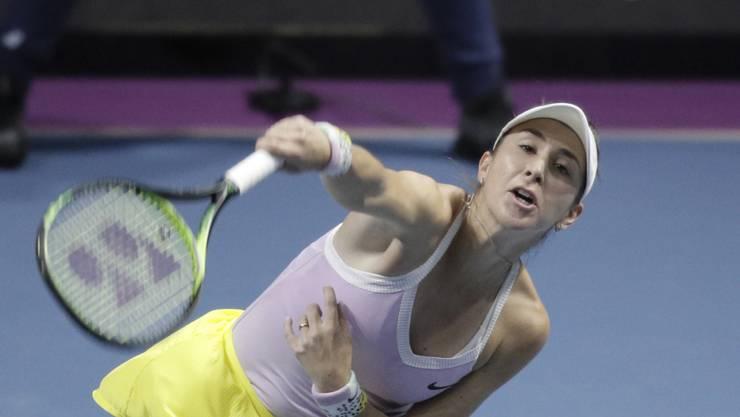 Belinda Bencic am Turnier in St. Petersburg beim Aufschlag