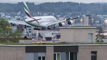 Zu viel Fluglärm in der Nacht: Der Flughafen Zürich muss aufzeigen, wie er die Grenzwerte künftig einhalten kann.