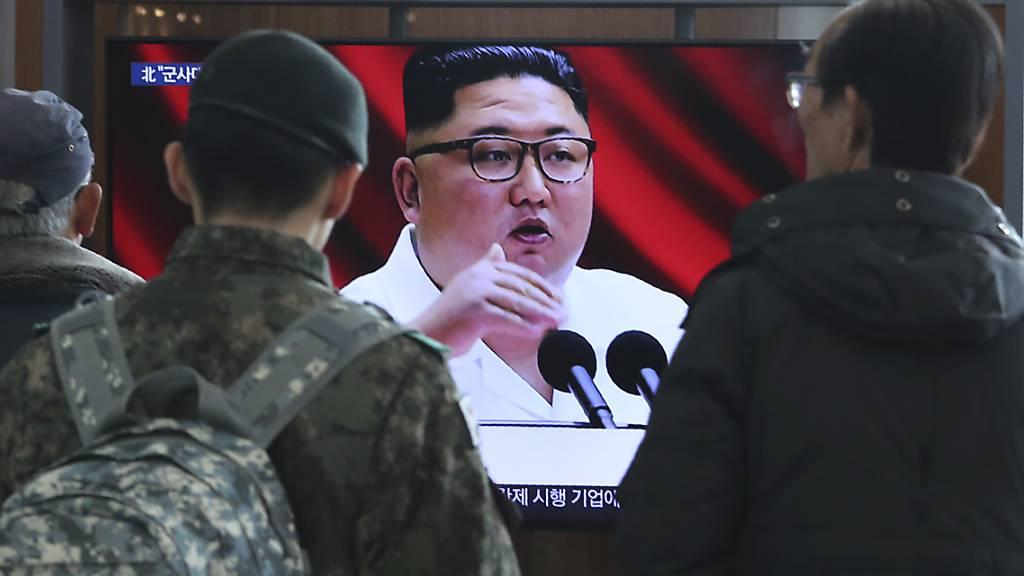 Kim Jong Un schwört Arbeiterpartei auf kämpferische Linie ein