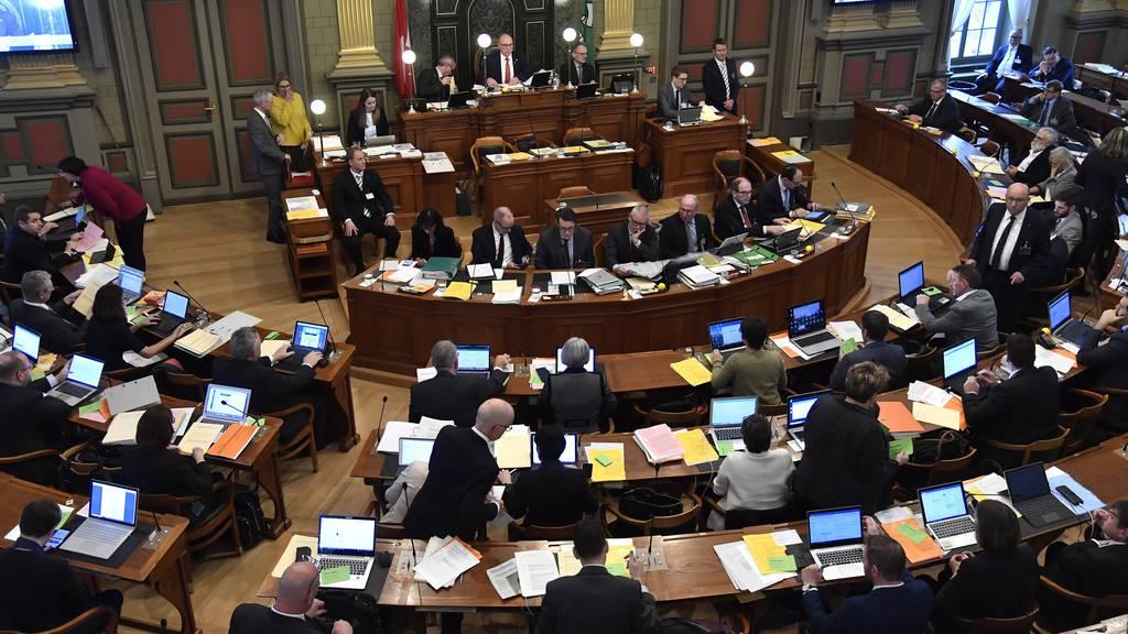 St.Galler Kantonsräte wollen mehr Lohn