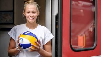 Um den Traum von einer Profikarriere wahr zu machen, pendelt Menia Bentele (18) täglich durch die halbe Schweiz.